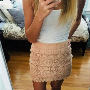 American eagle lacy pink skirt